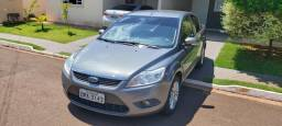 Ford focus sedan 12/12 2.0 aut.