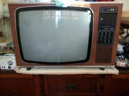 Vendo TV Telefunken de madeira antiga