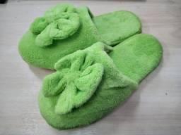 Chinelo Pantufa Verde com Laço
