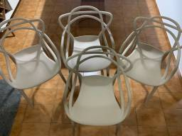 Vendo 4 Cadeiras de Polipropileno