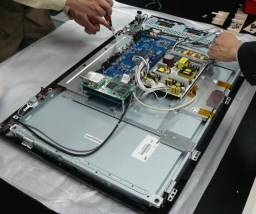 Conserto em Domicílio ( TVs . E PCs)