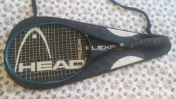Raquel de tênis
