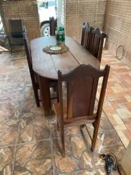 Mesa e estante de madeira boa!