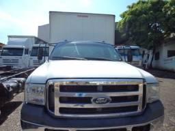 Caminhão FORD F400G baú de alumínio.