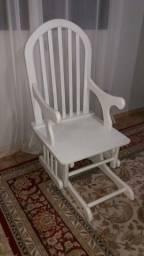 Cadeira balanço de amamentação usada