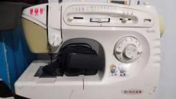 Máquina de costura Bella