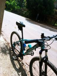 """Bike 29"""" - 24 velocidades - Shimano -Muito Nova!!"""