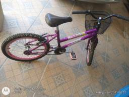 Bicicleta feminina infantil 200 reais