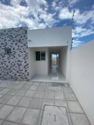 Linda Casa em Mangabeira VIII, com 02 quartos!!
