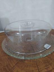 Boleira com prato em vidro e tampa em plástico