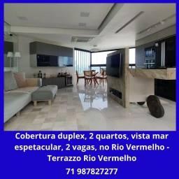 Espetacular cobertura duplex, 2 quartos, debruçada sobre o mar do Rio Vermelho