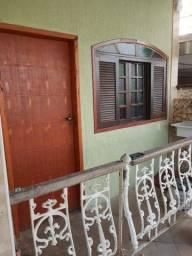 Alugo barato R$ 495,00-.casa primeiro andar - 950mt da Rodoviária
