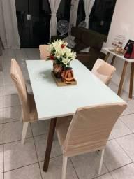 Mesa de laca com 4 cadeiras + aparador