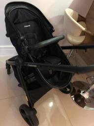 Ótimo carrinho com bebê conforto e duas bases para carro