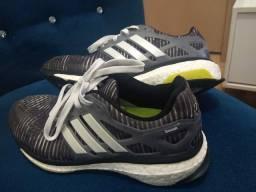 Tênis Adidas Boost - ORIGINAL - N°39 - Super novo!!!