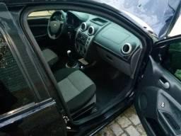 Fiesta. Sedan.   1.6