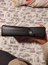 Xbox 360 + 19 jogos + cabo HDMI (não dá imagem) - R$ 149