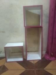 Vendi se três kits de três nichos da cor rosa super lindo