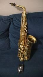 Saxofone EAGLE SA 501 NOVO