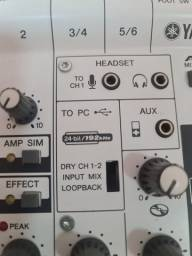 Mesa interface de áudio Yamaha Ag06