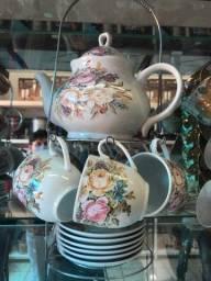 Bule Chaleira Com Xicaras e Pires Jogo de Chá Com 13 Peças Desenho em Rosas