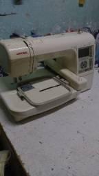 Máquina de bordar Janome 200e