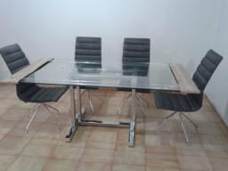 Mesa e 8 cadeiras