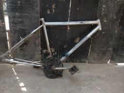 Quadro de bicicleta aro 26