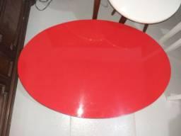Centro oval em formica.
