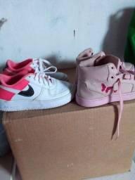 Vendo dois pares de sapato infantil