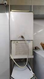 Dosador de água gelada