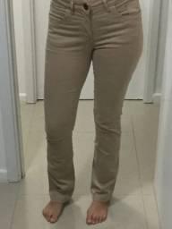 Calça (perna semi flare) tamanho 42 (forma pequena)