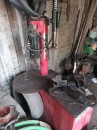 Desmontadora de pneus ( compctbox ) R$ 3000