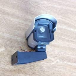 Micro câmera analógica com 480 Linhas de resolução com caixa de proteção