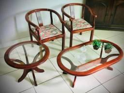 Cadeiras, mesa de centro e de canto