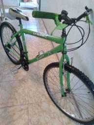 Bicicleta aro 26  18 marchas