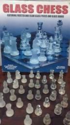 Jogo de Xadrez e tabuleiro de vidro