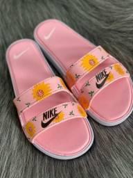 Vendemos calçados variados, femininos,masculinos e Infantis  de várias marcas.