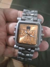 Lindo relógio Oakley