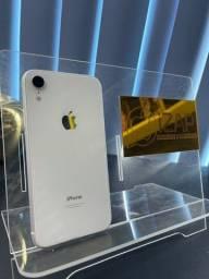 Título do anúncio: iPhone XR 64GB branco ( vitrine)