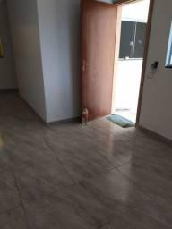 Alugo casa (aparentemento)de 2 quartos no Novo Gama