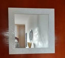 Espelho moldura em madeira!