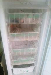 Vendo freezer vertical pequeno