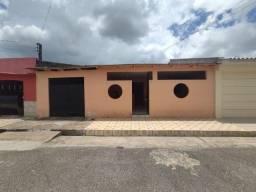 Conj Pedro Teixeira - Casa 220 m², 02 Quartos, 03 Vgs, C/ Quintal (Ñ financia)