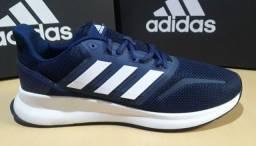 Tênis Adidas 43
