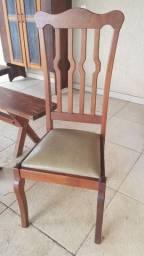 Vendo 8 cadeiras em embuia, Jardim São Paulo - Rio Claro