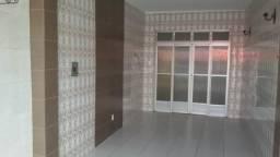 Casa no Siqueira com 3/4 perto de tudo