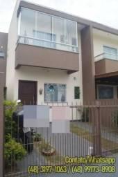 Sobrado 3 Dormitórios (1 Suíte) em Florianópolis-SC, Estuda Proposta
