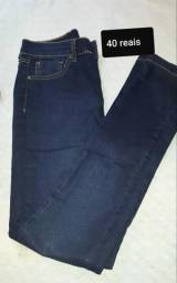 Calça jeans escura
