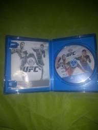 Jogo de Playstation 4 UFC